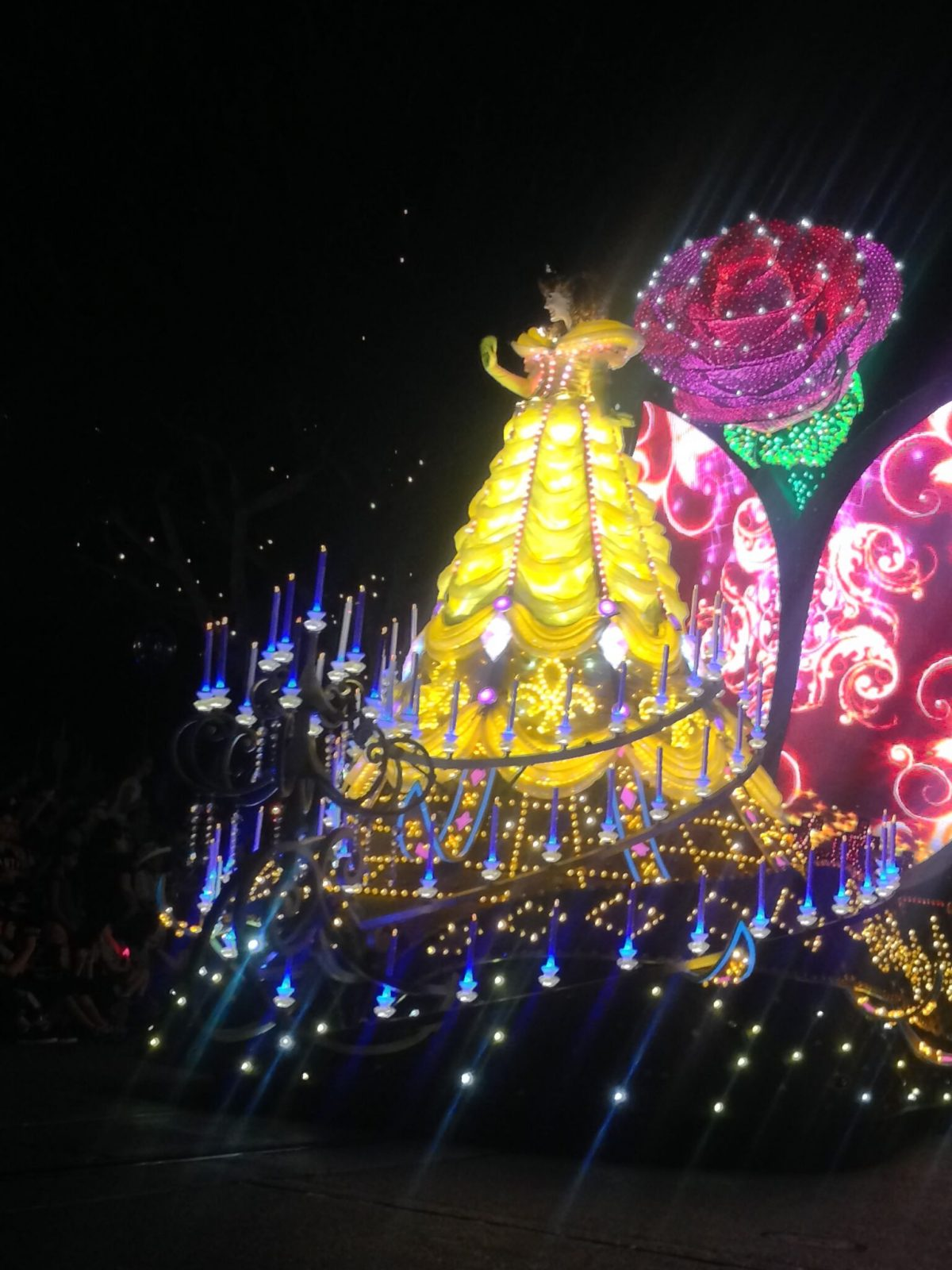belle-light-show-beauty-and-the-beast