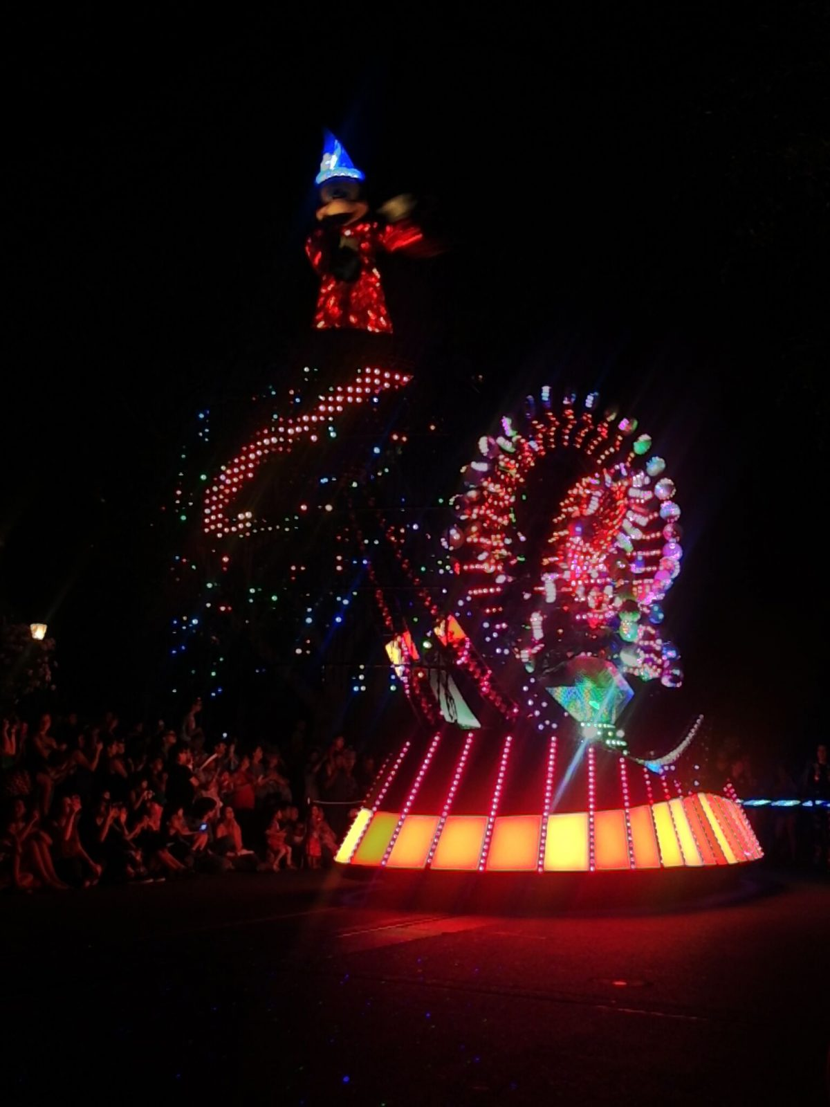 mickey-mouse-light-show
