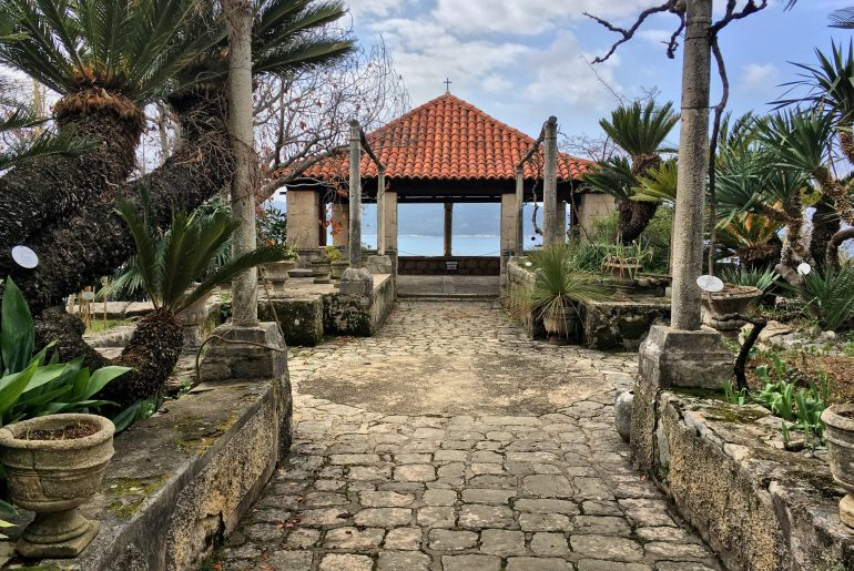 the game of thrones filming location at Trsteno Arboretum overlooking the sea